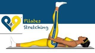 Pilates exercice - Étirement des muscles arrière de la cuisse (allongé)