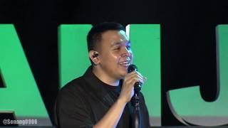 Tulus - Labirin ~ Ruang Sendiri @ Prambanan Jazz 2019 [HD]
