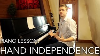 Piano Lesson: How to play Hands Together