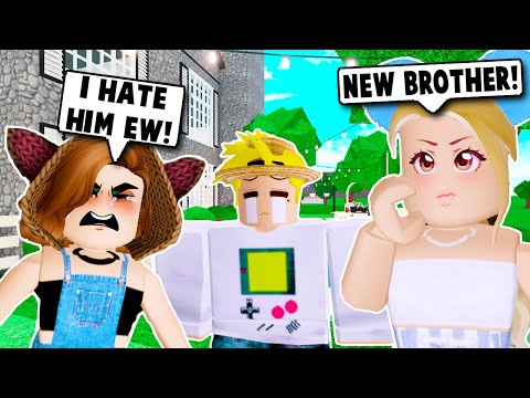 MY DAUGHTER MEETS HER BROTHER FOR THE FIRST TIME ON BLOXBURG! (Roblox)