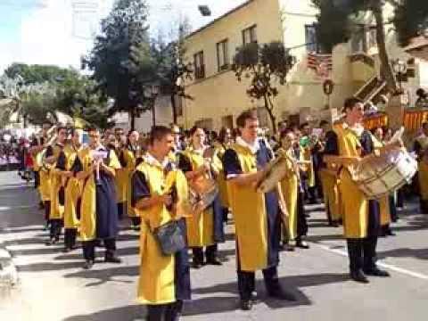 La Union Musical de Agost acompañando a la abanderada Almogavar de ibi 2013