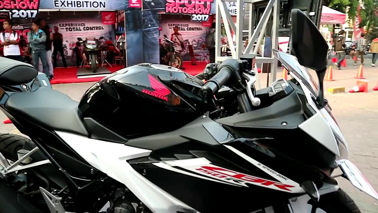 Honda new cbr 150 r 2017 slick black white colour