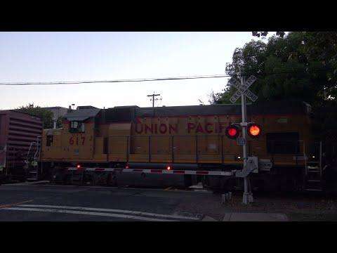 UP 1376 Dixon Turn Local, F St. Railroad Crossing, West Sacramento CA