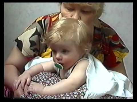 Бабуля с внуком спит 5 фотография