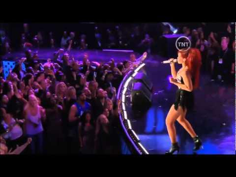 Rihanna - Live In All Star NBA 2011 feat Drake