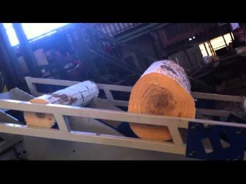 Escalera de troncos youtube for Escalera interior de troncos