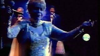ESTELA RAVAL & Los 5 Latinos ♪ Eres diferente (Luna Park 2007) Exclusivo