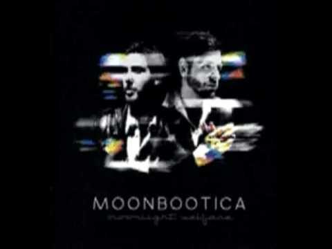 Moonbootica - A Perfect Machine