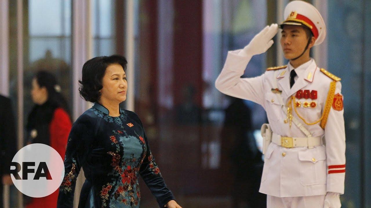 Image result for Quan chức Việt sống xa hoa bằng tiền của ai?