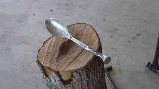 Gambar cover How to make a Rustic Spoon using a Railroad Spike
