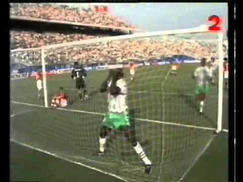 Download Rashidi Yekini Célébration vs Bulgarie