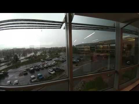 Hail trashes cars in Golden Colorado(1)