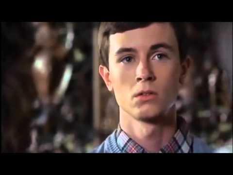 'Plegarias para Bobby' Trailer en español latino
