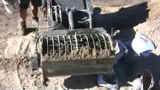 Video Concrete mixing bucket making a mix