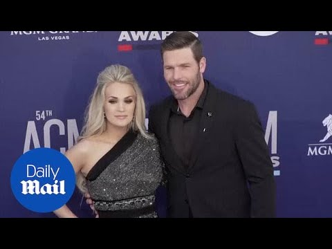 Chrissy Metz makes live singing debut with Carrie Underwood at ACM Awards