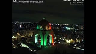 Terremoto 8.4 Mexico - Alarma sismica y luces en el cielo desde el Monumento de la Revolución