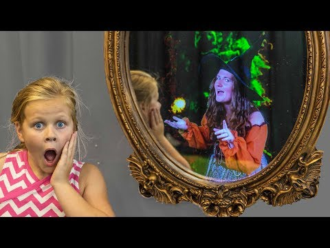 MAGIC MIRROR Assistant Spooky Scavenger Hunt with PJ Masks and Puppy Dog Pals