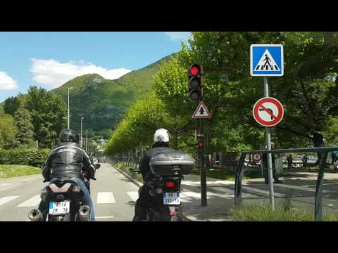 Cidade de Annecy na França lugares lindos.