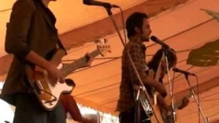 Download ek ladki bheegi bhagi-Zeest(Live in Spring Fest'2010 NED) MP3 song and Music Video