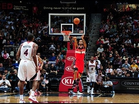 Trevor Ariza Knocks Down the Buzzer Beater from the Opposite Foul Line!