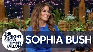 Baixar Sophia Bush Is Looking for Hot Guys Reading on the Subway