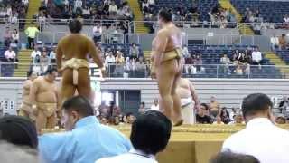 2013年10月12日(土)、熊谷巡業に行ってきました! 幕内稽古の終盤、稀勢...