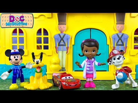DOC MCSTUFFINS AT THE HOSPITAL WITH PATIENTS