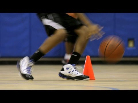 how-to-do-a-speed-dribble-|-basketball-moves