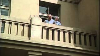 vlc record 2012 11 21 16h35m01s Pozor, vizita 1981 avi