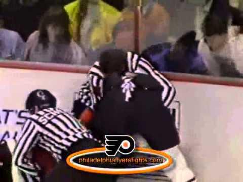 062 Jan 11, 1990 Dirk Graham vs Craig Berube Chicago Blackhawks vs Philadelphia Flyers