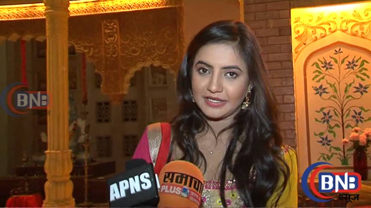 Watch Meera Deosthale 	2014 video