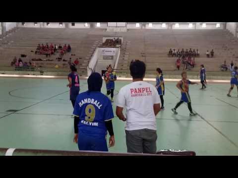 (babak 1)partai final kejurprov senior Kaltim 2017  Balikpapan (Biru ) vs Samarinda ( biru pink)