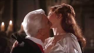 "Download Video Dracula and Mina dancing scenes - ""Dracula: Dead and Loving It"" MP3 3GP MP4"