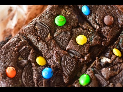 Eggless Chocolate & Oreo Brownies | Oreo Stuffed Brownies | Easy And Quick Brownie Recipe