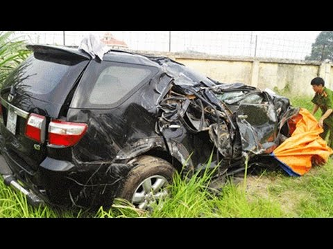Latest Car Accident of Toyota Fortuner in India - Road - Crash - Compilation - 2016 - 2017 - 2018