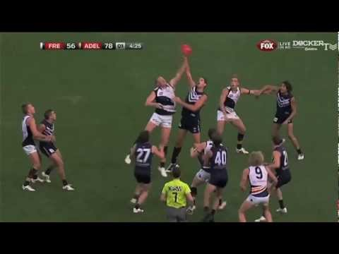 Rd 10 - PLAYS OF THE DAY: Stephen Hill's run