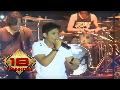 Ungu - Ciuman Pertama  (Live Konser Kendari 18 Mei 2013)