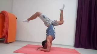 Tutorial: How to do an Elbow Handstand / Видеоурок: Как делать стойку на локтях