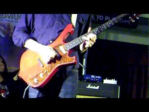 Paul Gilbert - Technical Difficulties - Jan 20th 2012 - Deke Dickerson Guitar Geek Festival 2012