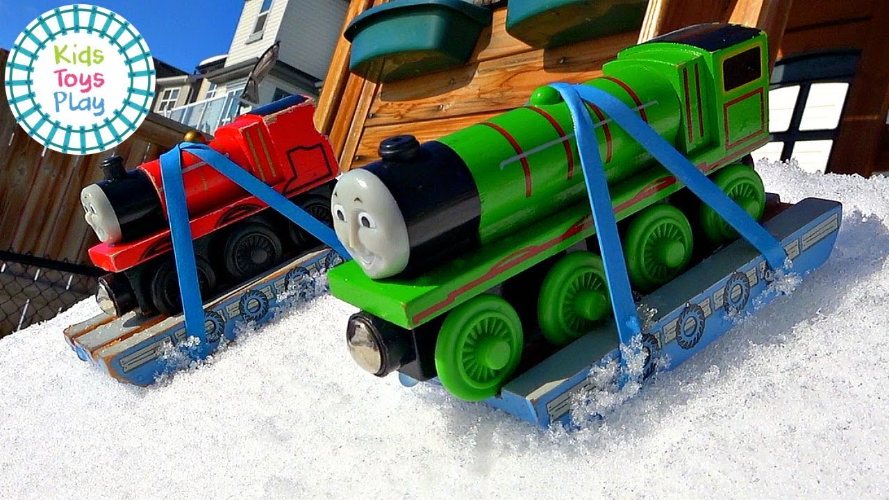 Thomas the Train Snow Races | Kids Toys Play Downhill Racing