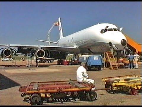 DC-8 9G-MKA at Southend 1994