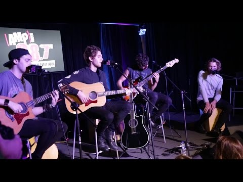 5 Seconds Of Summer - She's Kinda Hot (Live Acoustic)