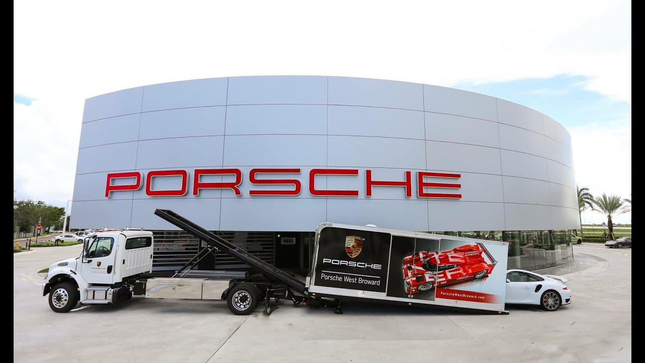 Detroit Wrecker Low Loader Enclosed Car Carrier