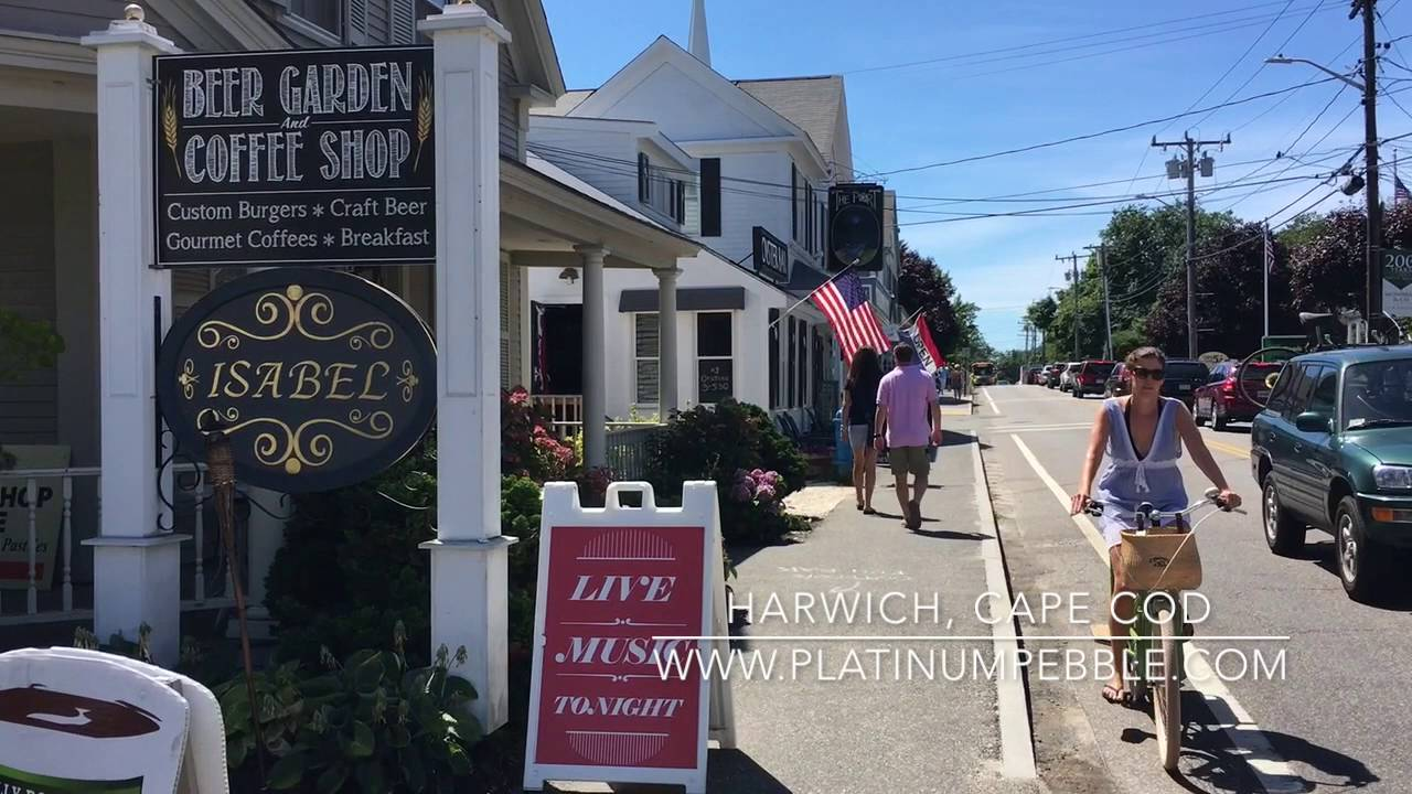 Where to stay Cape Cod, brought to you by the Platinum Pebble Boutique Inn