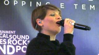 Alessandra Amoroso - Sul ciglio senza far rumore Acoustic Mini-live @LaCartiera
