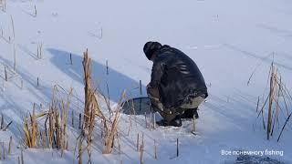 На озере лёд ещё тонкий Рыбалка в Омской области