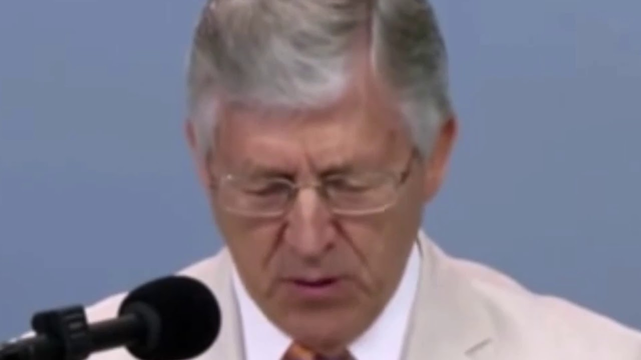 Ex-Jehovah's Witnesses Are Crashing Kingdom Hall Meetings to
