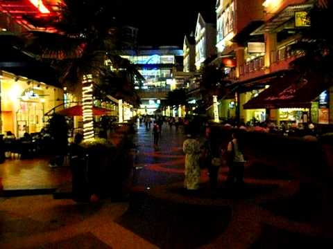 The Curve Food Street Damansara Mutiara, Petaling Jaya, Selangor, Malaysia