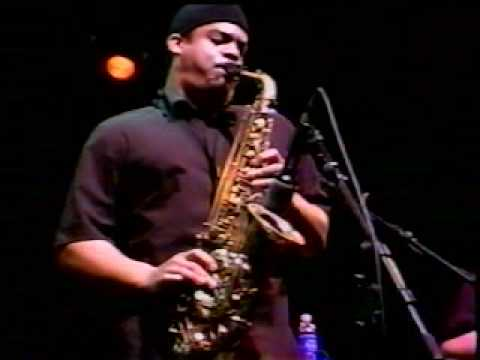 "Sam Kininger - Soulive - live - alto sax - funk - ""Right On"""