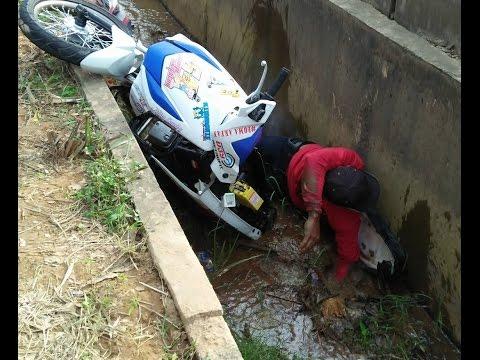 Road Race Pembalap Jatuh Nyemplung ke GOT !!